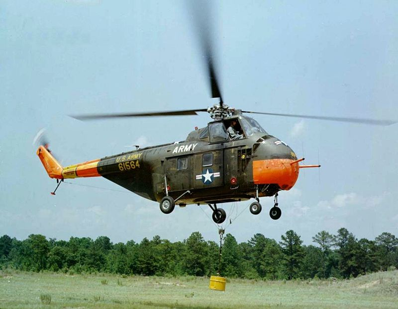 800px-sikorsky-s-55-inflight